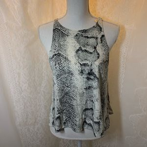 Indah black and white sleeveless small top